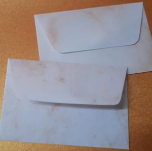 Márványmintás névjegy boríték